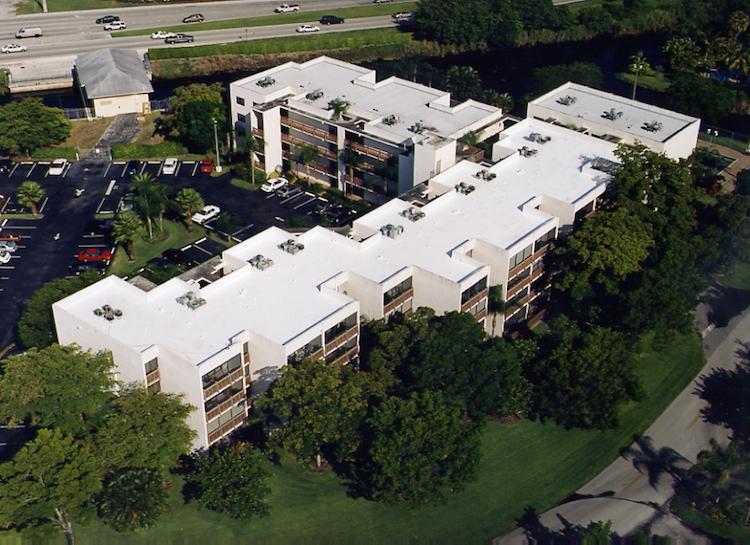 commercial-roofing-manaranda-condominium-fl